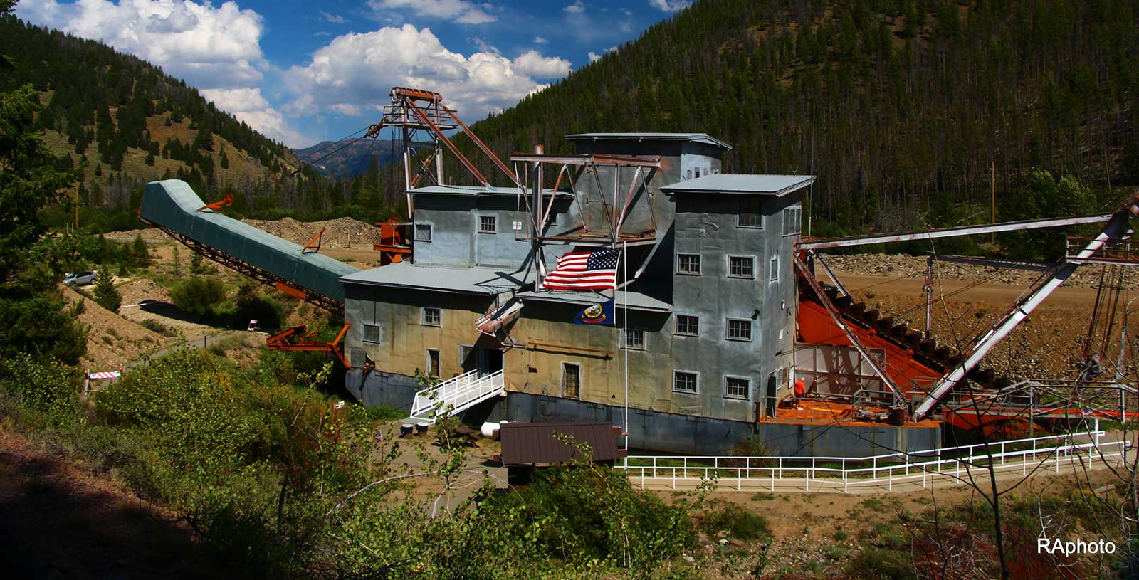 Yankee Fork Gold Dredge - Official Website